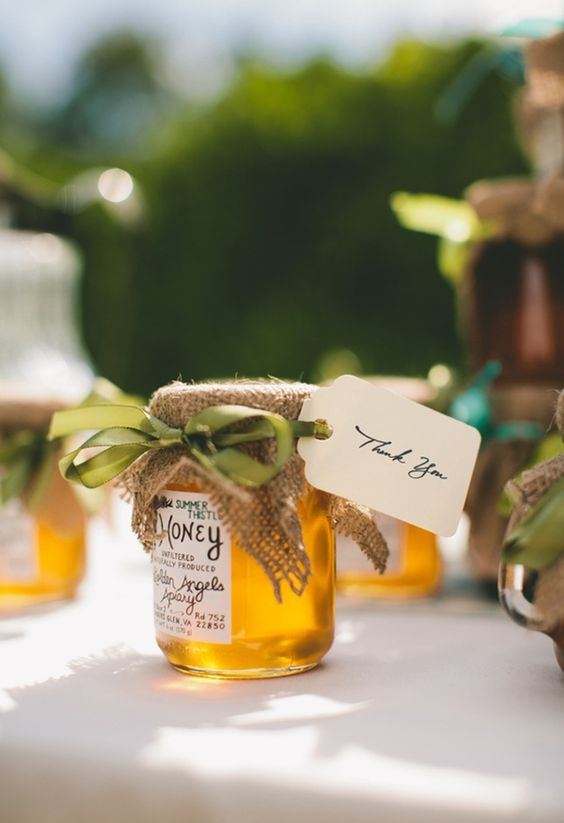 Favors for wedding in process