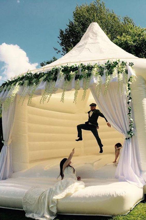 wedding entertainment in Wedding Checklist process